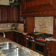 Traditional Kitchen by Fieldstone
