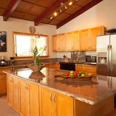 Traditional Kitchen by Kitchen & Beyond