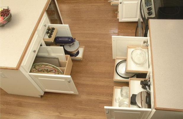 Contemporary Kitchen by Al Williams