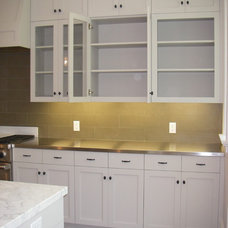 Contemporary Kitchen by FR James Construction