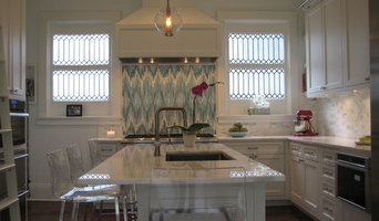 Kitchen: Calcutta Caldia marble