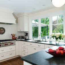Contemporary Kitchen by Catherine Gerry Interiors