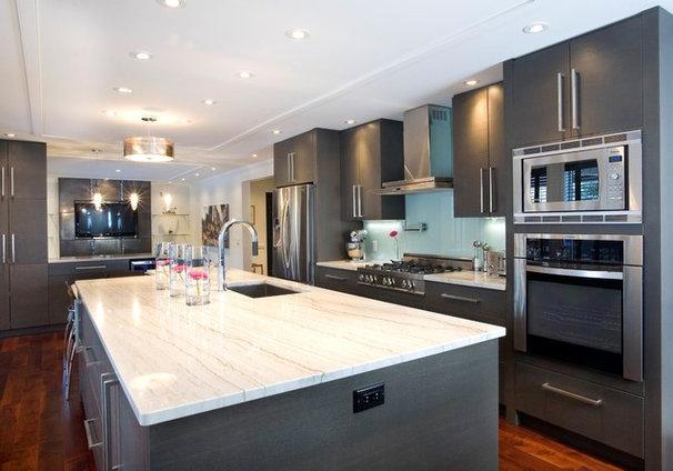 Contemporary Kitchen by Centennial 360