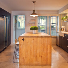 Contemporary Kitchen by Chango & Co.