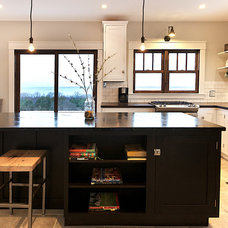 Contemporary Kitchen by Hulet Real Estate Photography