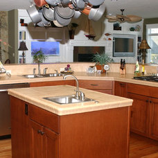 Traditional Kitchen by Chuck Miller Construction Inc.