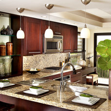 Contemporary Kitchen by Cindy Ray Interiors, Inc.