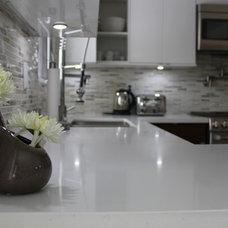 Modern Kitchen by cj5 design
