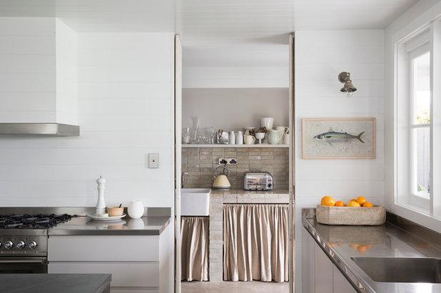 Beach Style Kitchen by Clipsal by Schneider Electric
