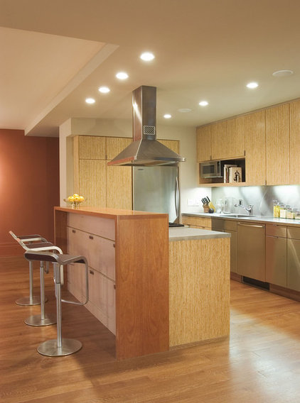 Contemporary Kitchen by COLEPREVOST