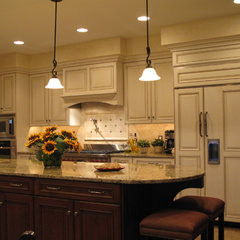 mediterranean kitchen by Conestoga Valley Custom Kitchens Inc.