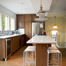 Modern Kitchen by Copper Brook