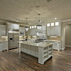 Kitchen by Metroplex Cabinets, Inc. '73