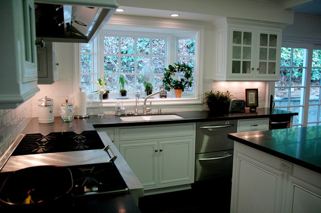 Traditional Kitchen by Dave Lane Construction Co.