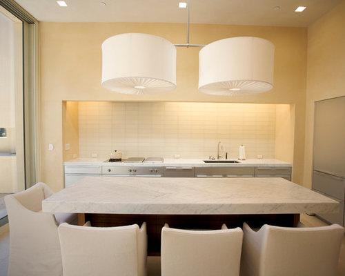 glasfliesen küchenrückwand k chen mit edelstahlfronten und travertin ideen design