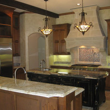 Traditional Kitchen by DeCavitte Properties