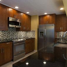 Modern Kitchen by depotgranite