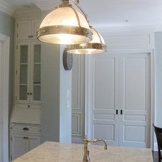 Traditional Kitchen by Aim Interior Design & Associates, Inc.