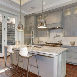 75 Beautiful Kitchen With Glass Tile Backsplash Pictures Ideas January 2021 Houzz