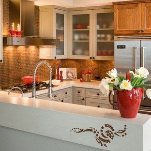 Inspiration for a mid-sized contemporary u-shaped eat-in kitchen in San Diego with a single-bowl sink, shaker cabinets, grey cabinets, concrete benchtops, brown splashback, metal splashback, stainless steel appliances, bamboo floors and a peninsula.
