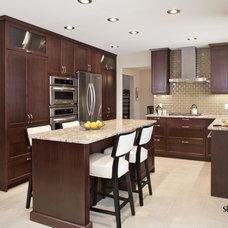 Contemporary Kitchen by Studio 2.0 Interior Design Consultants