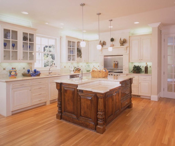 Traditional Kitchen by Design Studio -Teri Koss