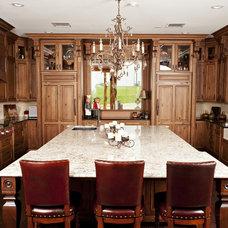 Traditional Kitchen by Designer Kitchens