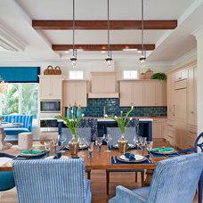 Tropical Kitchen by BCB Homes, Inc.