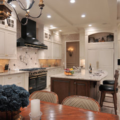 traditional kitchen by Kitchen Designs by Ken Kelly, Inc. (CKD, CBD, CR)