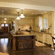 Farmhouse Kitchen by DESIGNS! - Susan Hoffman Interior Designs
