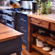 Eclectic Kitchen by Emily Winters, Peabody's Interiors