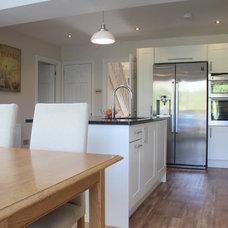Farmhouse Kitchen by Studio 3 kitchens