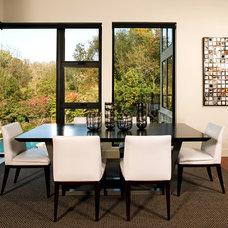 Modern Kitchen by Michelle Miller Interiors