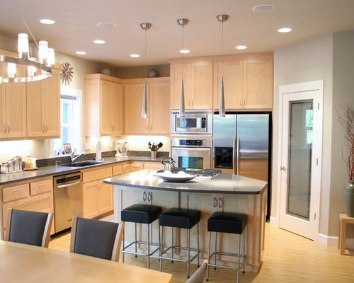 Light Maple Cabinets | Houzz on Light Maple Cabinets With White Countertops  id=13416