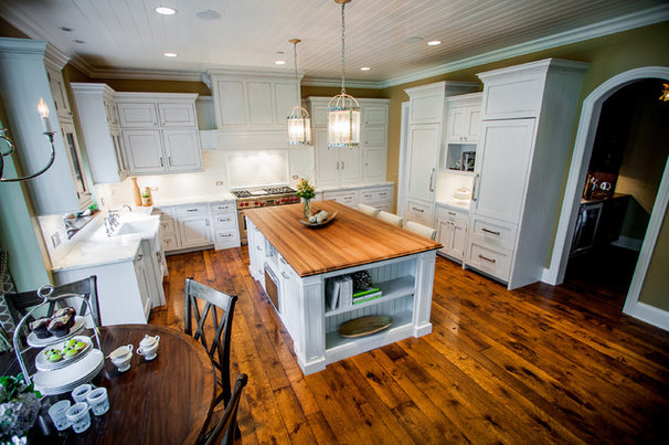 Traditional Kitchen by Savvy Interior Design