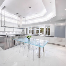 Contemporary Kitchen by dRichards Interiors