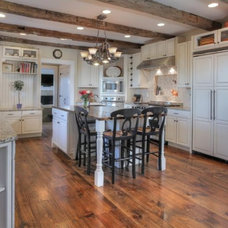 Traditional Kitchen by Dunnder Builders, LLC
