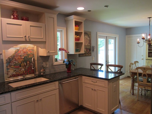 Traditional Kitchen by Lowe's of Eatontown, New Jersey