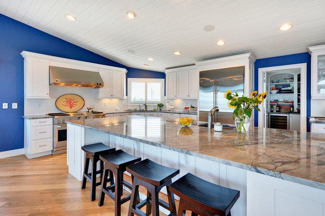 Transitional Kitchen by Echelon Custom Homes