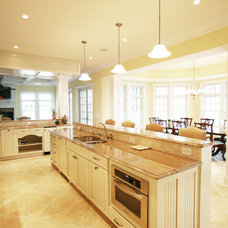 Kitchen by Echelon Custom Homes