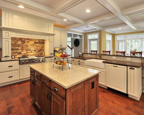 Traditional Kitchen Idea In Philadelphia With A Farmhouse Sink