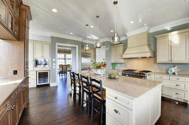 Contemporary Kitchen by Echelon Custom Homes