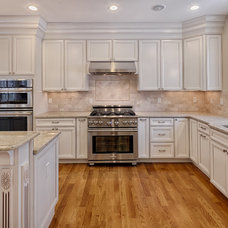 Traditional Kitchen by Elite Home Builders LLC