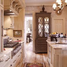 Traditional Kitchen by Elizabeth Anne Star Interiors