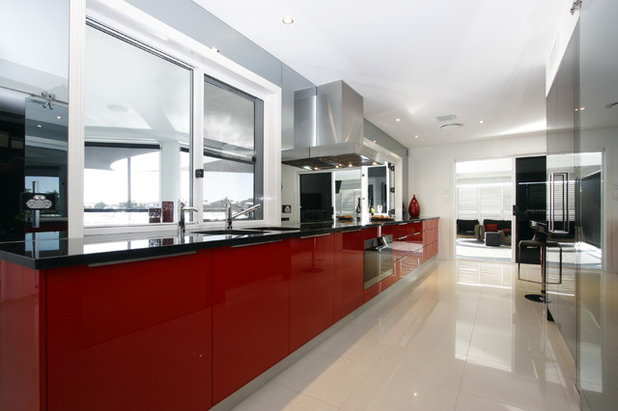 Modern Kitchen by Enigma Interiors