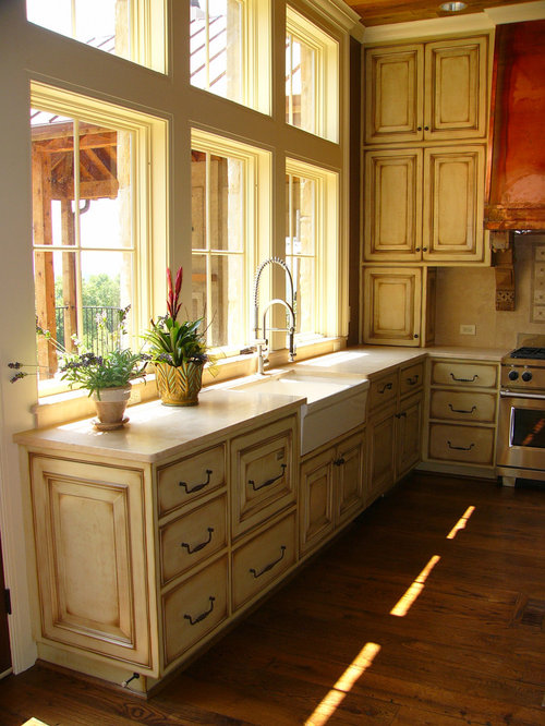 Inspiration For A Rustic Kitchen Remodel In Birmingham With A Farmhouse  Sink, Raised Panel