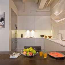 Contemporary Kitchen by Ernesto Santalla PLLC