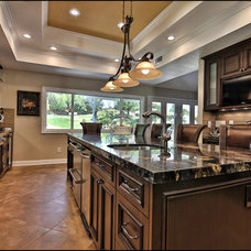 Traditional Kitchen by SOD BUILDERS, INC.