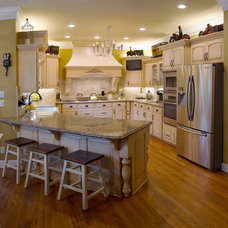 Farmhouse Kitchen by Top's Appliances and Cabinetry, LLC