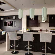 Contemporary Kitchen by Sunscape Homes, Inc